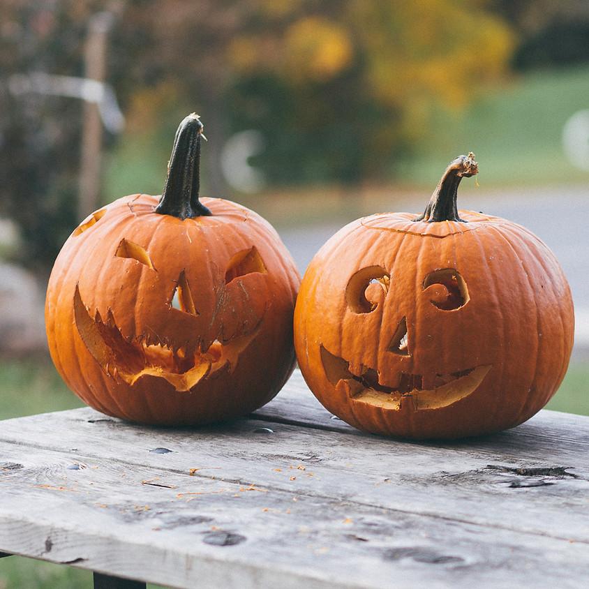 Pumpkin Carving Contest & Costume Show かぼちゃ彫りコンテスト&コスチュームショー