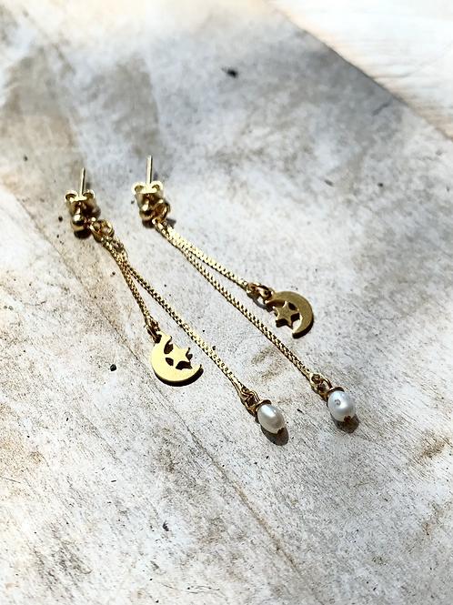 Pearl + Crescent Moon Earrings FEA40