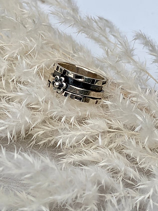 STERLING Silver Flower Spinner Ring