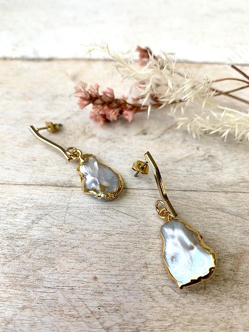 Freshwater Pearl  + Wavy Bar Earrings FEA07