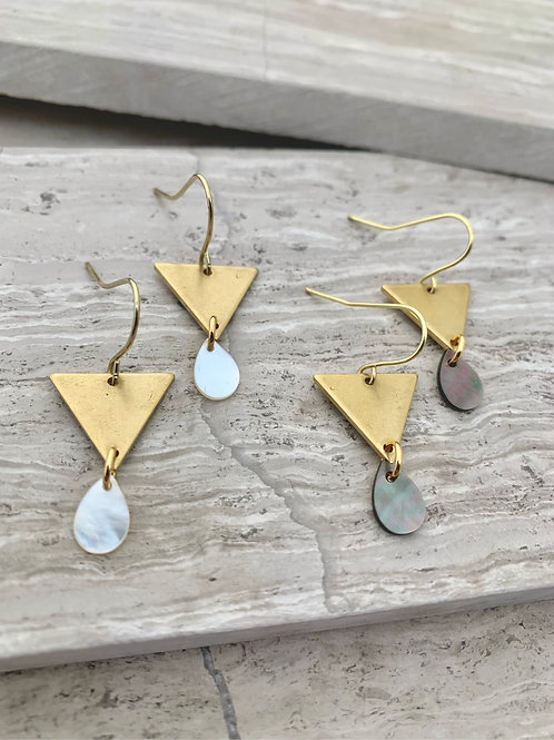 >>>ARIC - shell earrings<<<