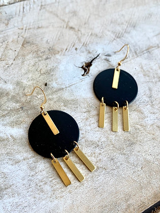 FRÜG Black Circle with Gold Bars Earrings FEA31