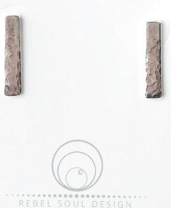 REBEL SOUL - Hammered Bar stud earrings
