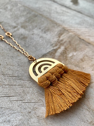 FRÜG Orange Tassel + Arc Pendant Vintage Brass Chain Necklace FNA42