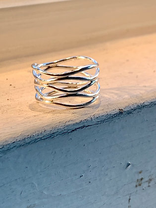 KINDRED Sterling Silver Wavy Ring KR41