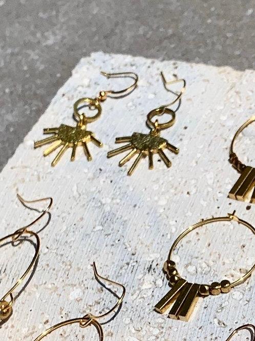 >>>Bodil - Brass Sunrays Earrings<<<