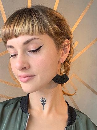 FRÜG Brass Hoop with Textured  Black Quarters Earrings FEA32