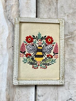 CHIKANKARI Hand Embroidered Wall Critters - Bumblebee HG46