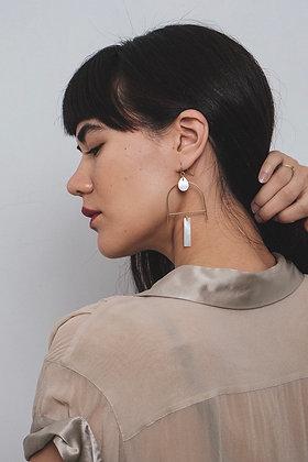 FRÜG 'Eir' Mother of Pearl Earrings
