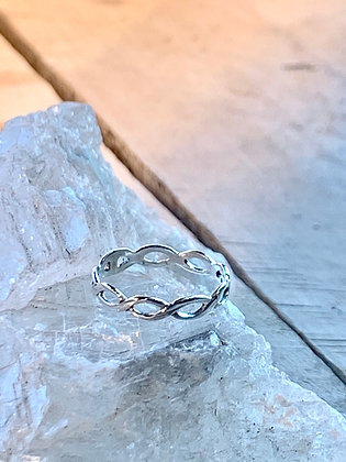 KINDRED Sterling Silver Braided Ring KR36