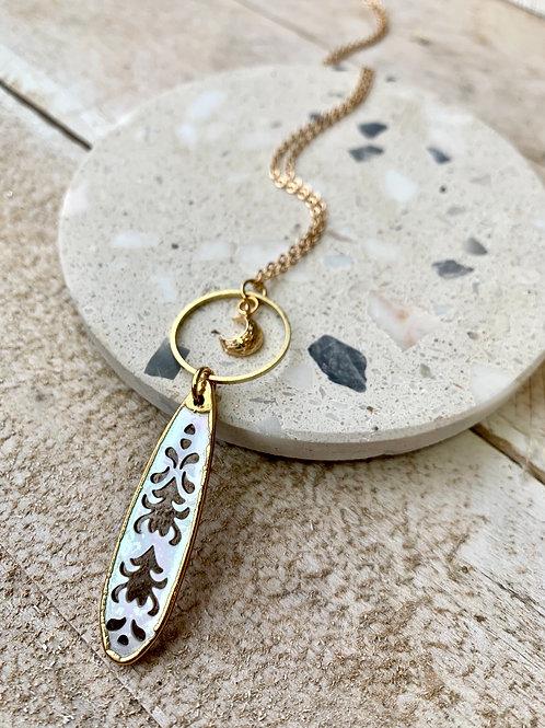 Blacklip Shell Pendant + Crescent Moon Necklace FNA19