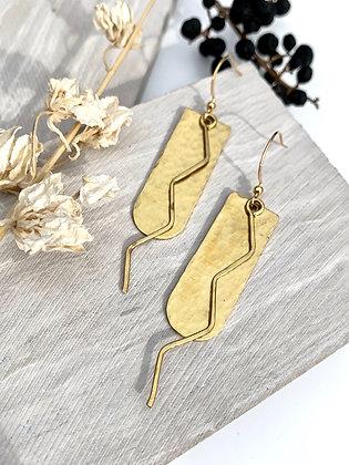 FRUG 'Shani' Hammered Brass Zig Zag Earrings
