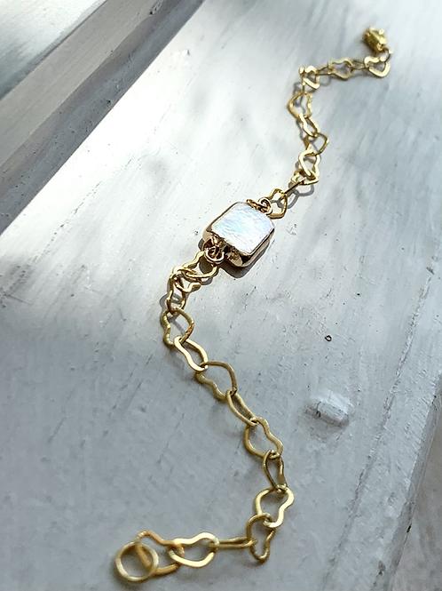 Rectangular Pearl and Heart Chain Bracelet FBA17