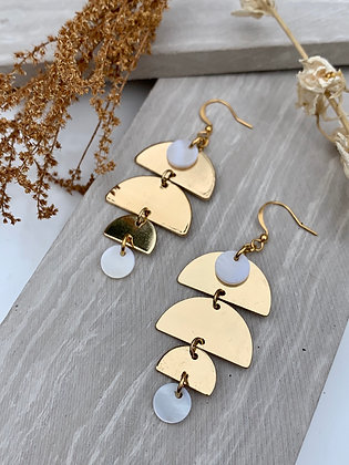 "FRUG ""Eidrei"" Mother of Pearl Earrings"