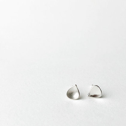 REBEL SOUL DESIGN Tiny Water Drop Studs #4RS