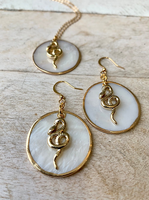 Shell Disc + Snake Necklace and Earring Set FNA23