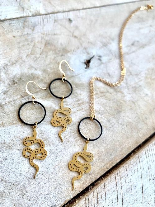 Black Hoop and Snake Necklace FNA44