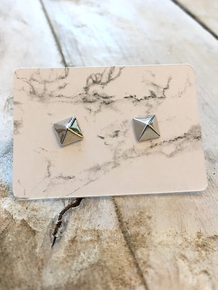 KINDRED 'Sterling Pyramid Stud' Earrings KDE07