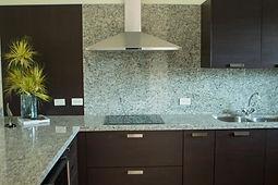 Kitchen II 106.jpg