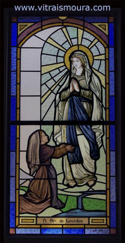 vitral Nossa Senhora de Lourdes