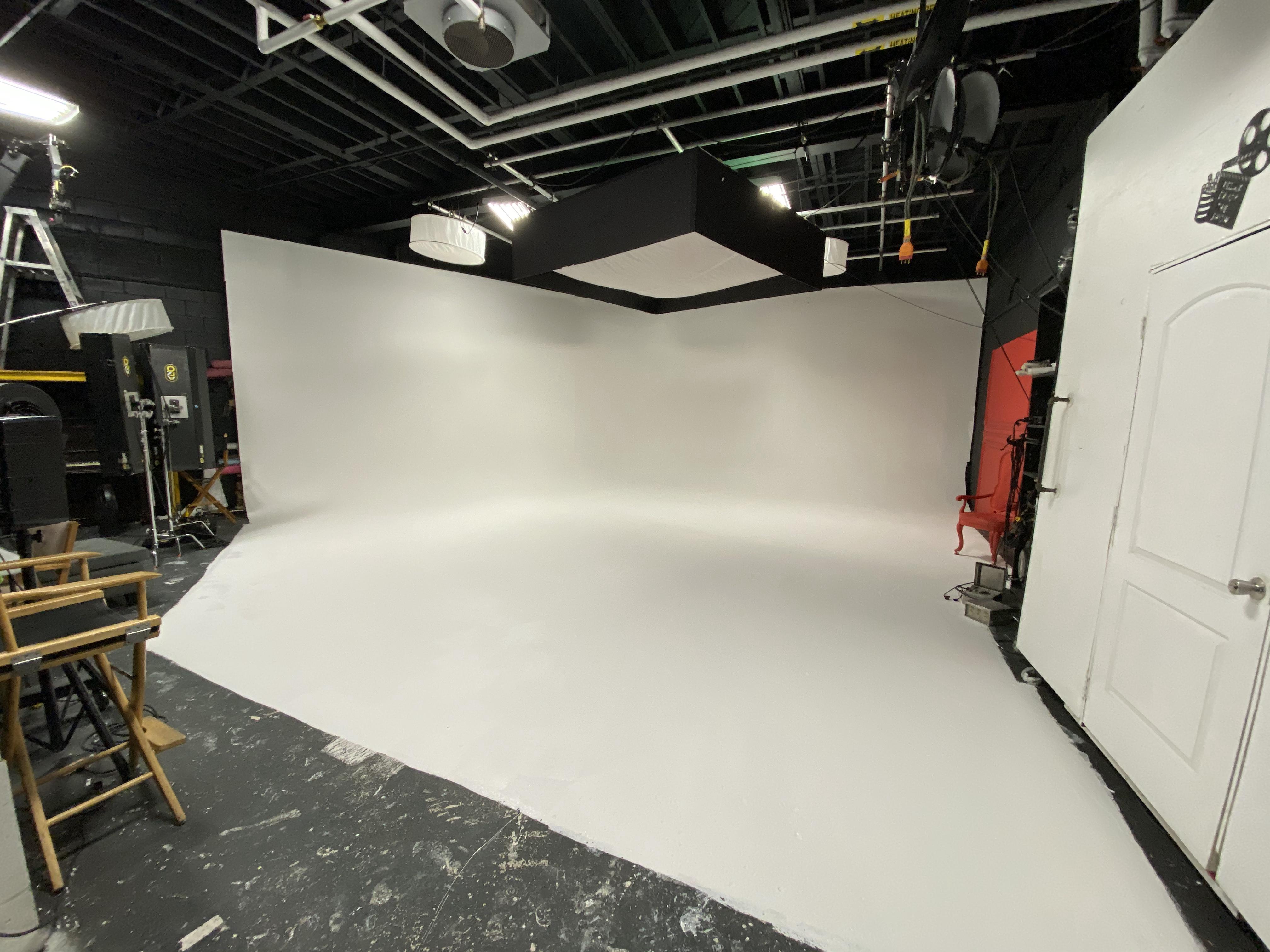 Cyclorama Studio Full Day Rental12 Hours