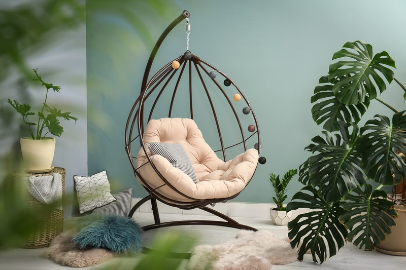 caribbean decor, rattan furniture, hanging swing, tropical plants, caribbean trends, summer decor, natural colors