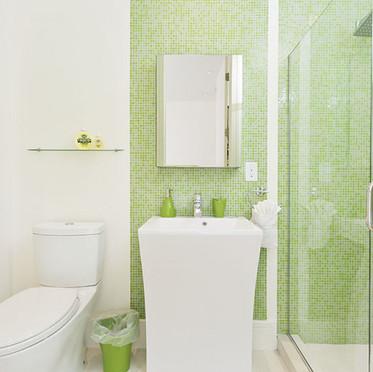 Suite II Bath.jpg