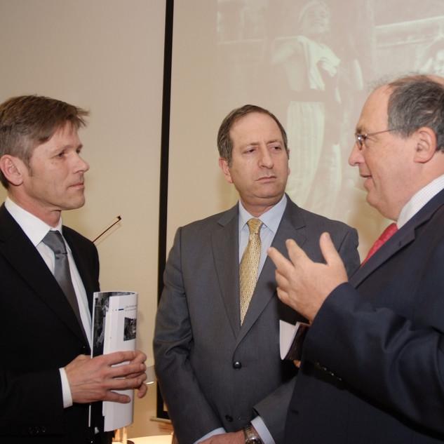 v.l. Staatssekretär Josef Ostermayer, Botschafter des Staates Israel Aviv Shir On, IKG-Präsident Ariel Muzicant.