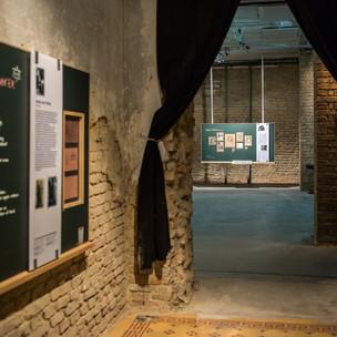 Ausstellung Entree 3 .jpg