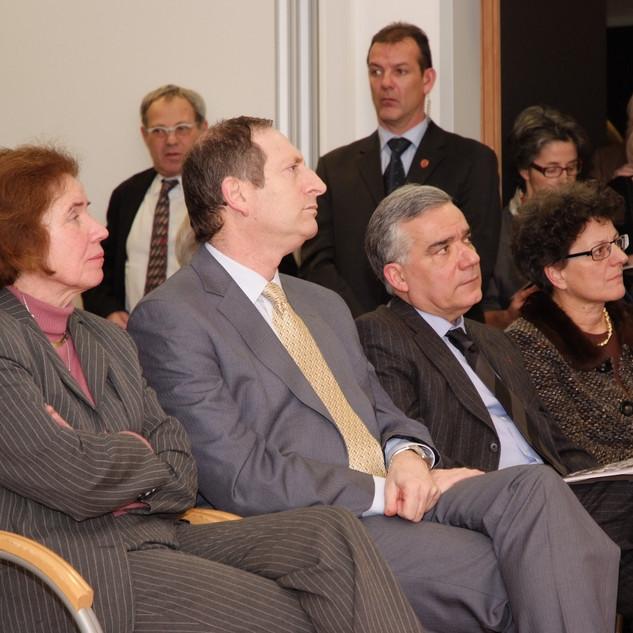 v.l. Beate Klarsfeld, Botschafter Aviv shir On, Botschafter Philippe Carré, Dr. Regina Prehofer.