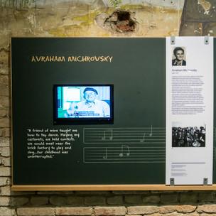 Ausstellung 17 Michrovsky.jpg