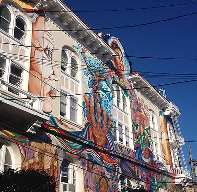 San Francisco by Gilles guide privé français mission fresques murales street art maison bleue de la femme women building