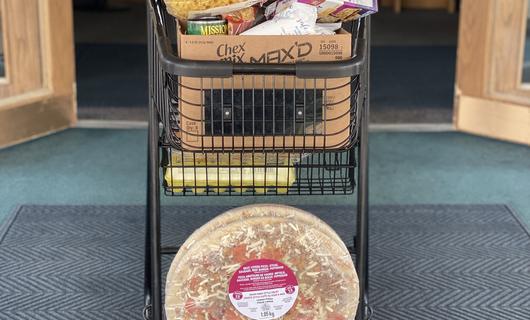 cart of food.HEIC