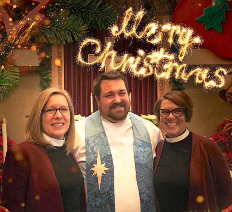christmas worship.jpg