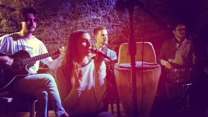 Un altro bellissimo concerto ieri sera al #grottoamerica #grotto #gr8 #gr8america #langolodegliartisti #charlieroe #lovelynight #lovelypeople #lovelyplace #lovelygrotto #lovelyevening #music #lovelyguests