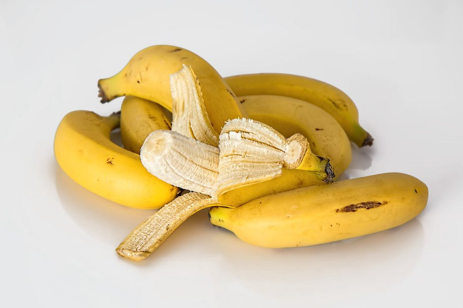DIY Banana Peel Mask