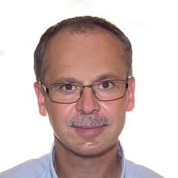 Dr. Balázs László