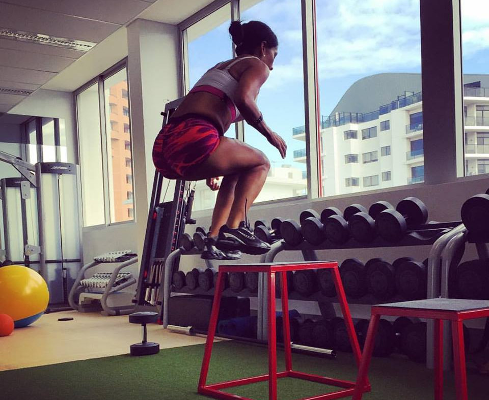 New Figure fitness Box Jump.jpg