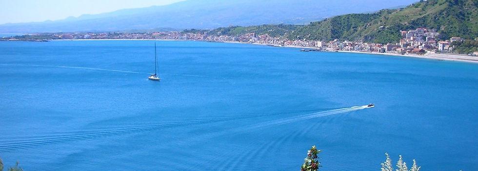 golfo-di-Naxos-con-Etna_ULP_Travel.jpg