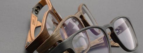 Holzbrillen aus Handarbeit
