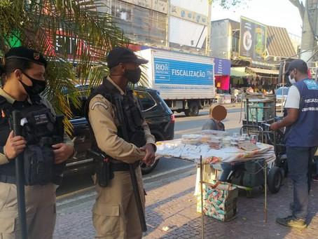 Seop realiza ação de fiscalização e ordenamento urbano em Madureira