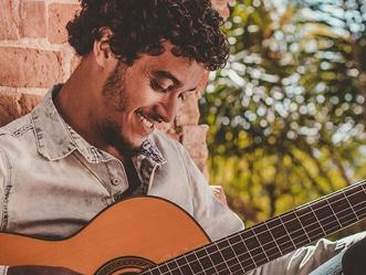 Shopping de Jacarepaguá promove neste domingo o talk show 'Vivo de Música'