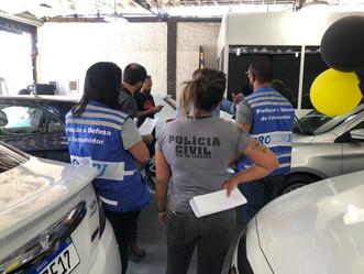 [VÍDEO] Operação conjunta autua agências de veículos na Intendente Magalhães
