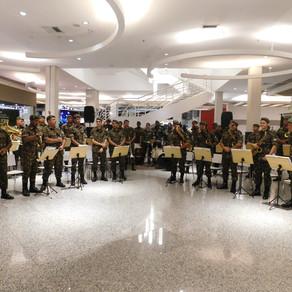 Banda do Exército Brasileiro se apresentou no Shopping Sulacap