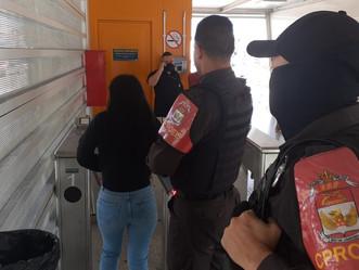 Mulher é presa acusada de furtos no sistema BRT na Taquara