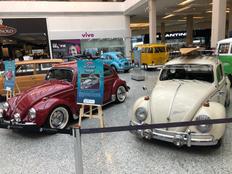 Exposição de carros antigos é inaugurada em shopping de Sulacap