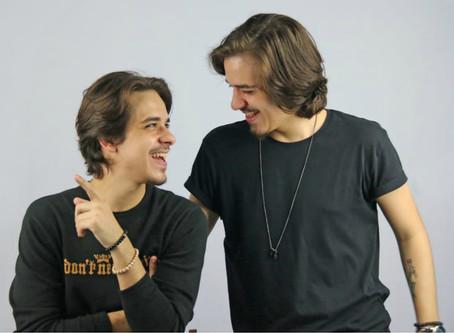 Ensaio da Banda Amigos da Barra apresenta ps gêmeos do samba, Bruno e Ramon