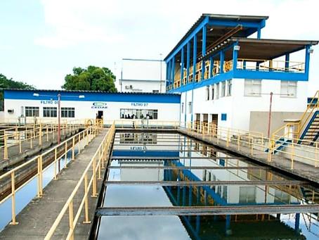 Cedae informa que presença de detergente interrompe produção do Guandu