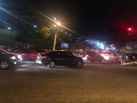 Acesso à Nogueira de Sá prejudica trânsito na Marechal Fontenelle