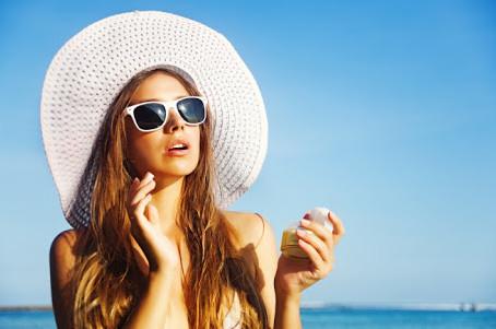 ESTÉTICAnews | Manchas de Pele de verão: 4 tipos comuns e como evitá-los